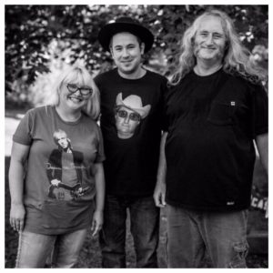 Episode 166: W.B. Walker's Old Soul Radio Show Podcast (Live From W.B. Walker's Barn & Grill – Luna & The Mountain Jets)